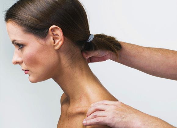 Фото: отложение солей на шее
