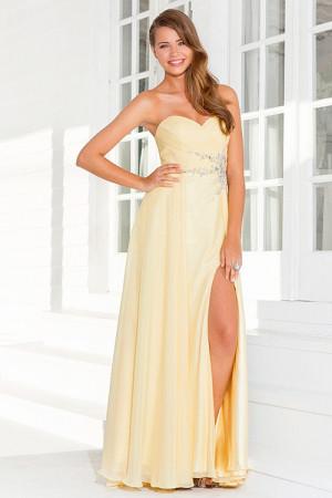 Модные цветовые варианты выходных платьев