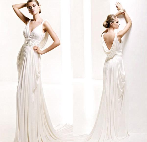 Нежный кремовый цвет платья
