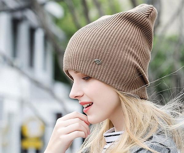 Фото: коричневые вязаные шапки